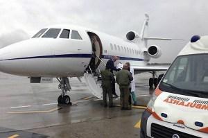 L'Aeronautica militare trasporta uomo in pericolo vita a Roma