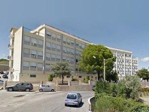 Ospedale di Soverato, caos all'accettazione: utenti in attesa per molte ore