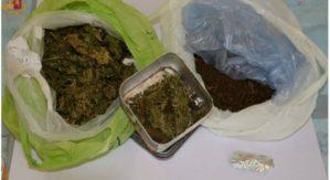 Marijuana nascosta nell'auto, 22enne arrestato