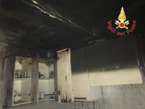 Incendio in un villaggio turistico nel catanzarese, danni limitati