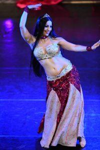 Domani a Soverato l'esibizione della famosa ballerina Lelah Kaur