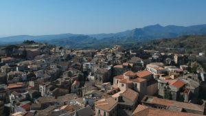 Il Borgo e la storia: Un documentario racconta le radici di Santa Caterina dello Ionio