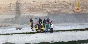 Si lancia da un ponte nell'alveo di un torrente, 40enne recuperata viva