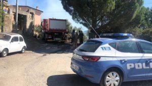 Incendio di arbusti e macchia mediterranea a Catanzaro