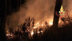 Notte di fuoco nel catanzarese e lametino, panico tra i cittadini