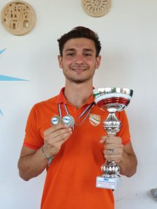 Il soveratese Gino Vitale campione regionale dei 100 metri stile libero di nuoto