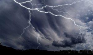 Santa Caterina Jonio – Colpiti da un fulmine in montagna, un morto e un ferito