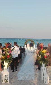 Da Milano sulla spiaggia di Isca marina per un matrimonio esotico!