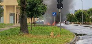Esplode auto a gas, in gravi condizioni il conducente