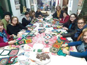 Mega Albero di Natale all'uncinetto realizzato a Pentone: domani l'inaugurazione
