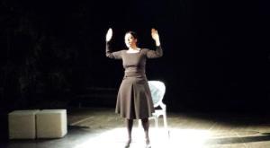"""Al Teatro del Grillo di Soverato Gaia Nanni applauditissima con """"gli ultimi saranno ultimi"""""""