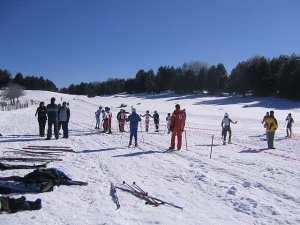 Le piste di sci chiuse per neve, i candidati e la signora prefetto
