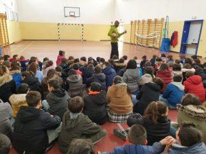 """Parte nelle classi dell'I.C. di Badolato il progetto scuola """"Mente in Movimento"""" promosso dalla Joy Volley"""