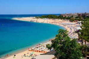 """A Soverato la """"Bandiera Verde"""" 2020, premiate 18 spiagge calabresi a misura di bimbo"""