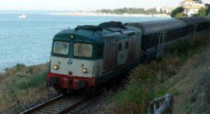 """Russo (Cisl): """"In Calabria si viaggia su treni vecchi e in quantità ridotta: quadro drammatico"""""""