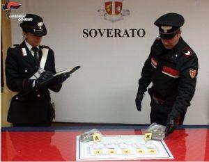 Soverato – Nonostante l'emergenza coronavirus spacciava stupefacente a domicilio, pusher 37enne arrestato