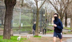 Coronavirus e jogging, la corsetta fuori casa può far contagiare altre persone