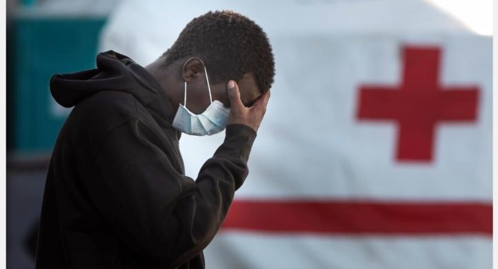 Coronavirus, positivi 28 migranti sui 70 sbarcati al porto di Roccella Jonica