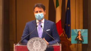 """Conte presenta il nuovo Dpcm: """"Dobbiamo tutelare salute e scongiurare lockdown generalizzato"""""""