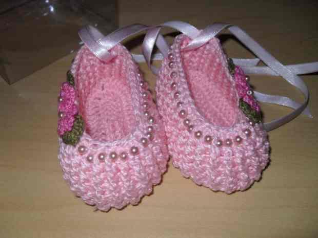 صور أحدث أحذية كروشية تركى للأطفال جميلة جدا