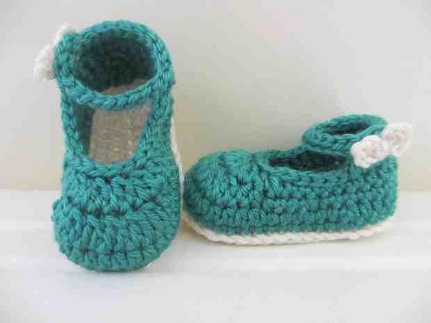 صور أحدث أحذية كروشية تركى للأطفال روعة