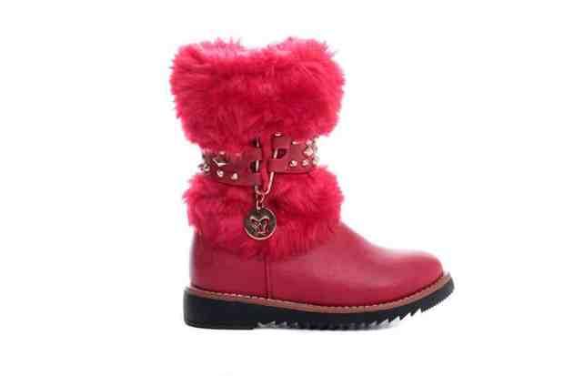 صور أحذية أطفال لفصل الشتاء روعة