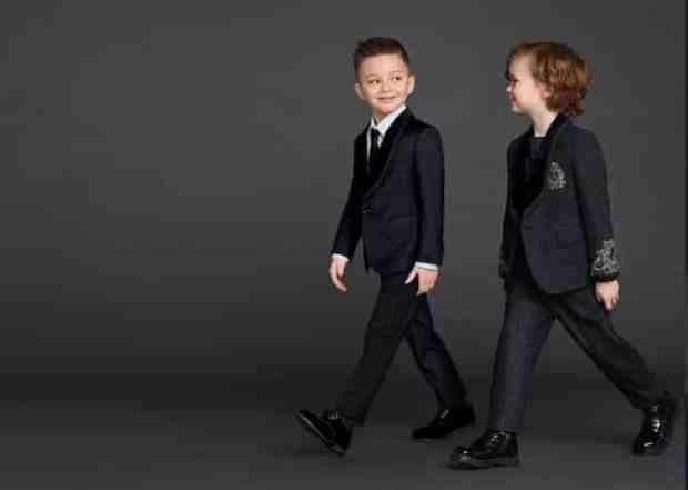صور أحذية أطفال على الموضة لفصل الشتاء جامدة