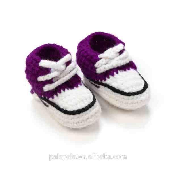 صور أحذية كروشية للأطفال رائعة