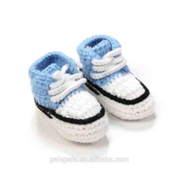 صور أحذية كروشية للأطفال جديدة