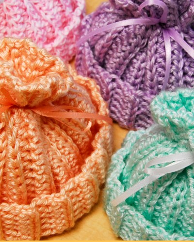 Crafting 365 Days a Year – Newborn Baby Hats