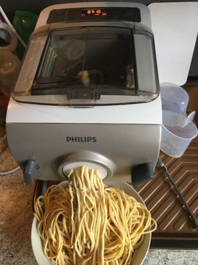 Découverte de la machine à pâtes : le pasta maker de Philips, une petite merveille
