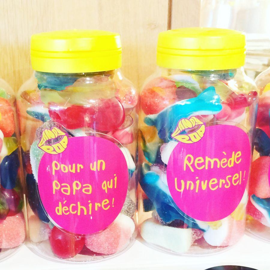 Messages personnalisables sur les flacons de bonbons de la marque Candy Pop