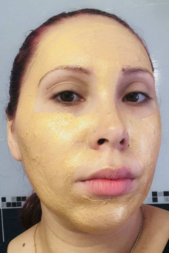 Visage après la pose du masque X-treme Gold de la marque Rexaline