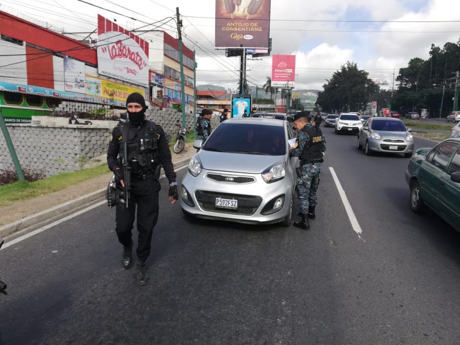El #PlanGénesis incomodó a varios conductores que tuvieron que bajar de sus carros. (Foto: Mingob)