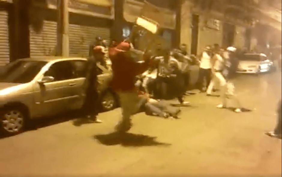 La PNC no reporta personas detenidas por esta pelea. (Foto: captura de pantalla)