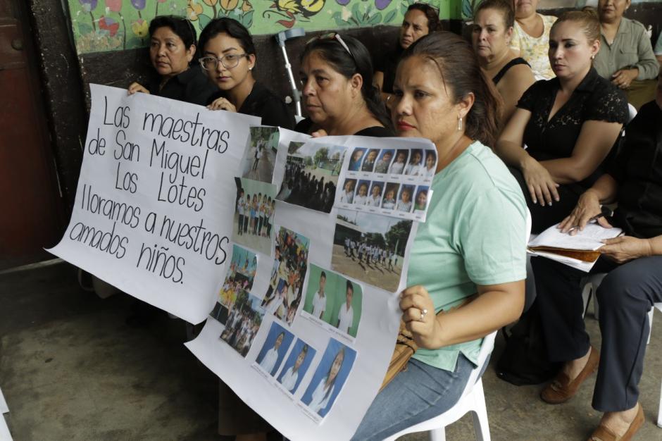 El grupo de maestras quiere continuar unido pese a la adversidad. (Foto: Alejandro Balán/Soy502)