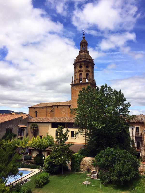 알베르게에서 본 산티아고 성당