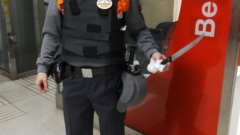 Cuchillo incautado por Vigilantes en el Metro