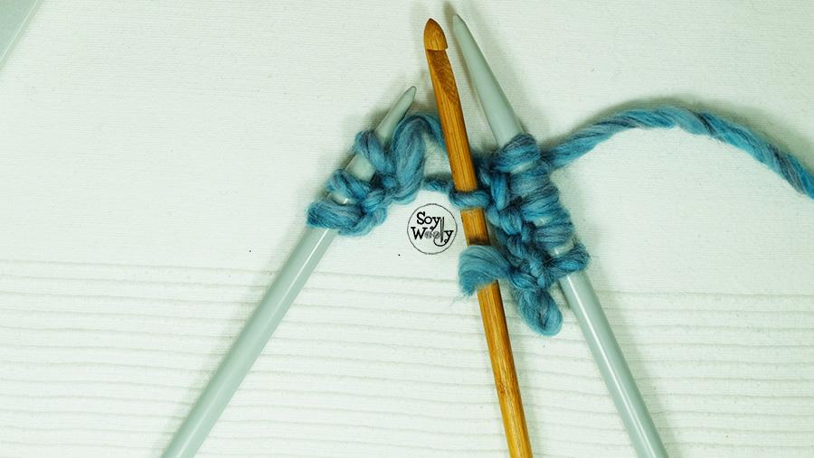 Reparar puntos que se caen de las agujas de tejer