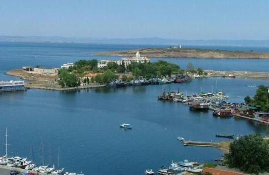 Френски експерти изследват остров Свети Кирик и Юлита
