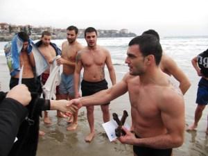 Двама младежи спасиха Светия кръст в Созопол 4