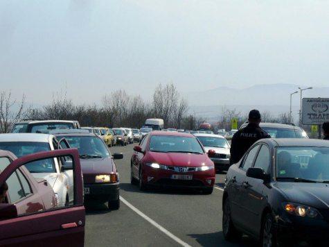 Мина известно време докато всички коли успеят да влязат в бензиностанцията Лукойл - Черноморец