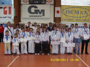 "Бойците на карате клуб ""Шогун"" Созопол спечелиха 24 медала 3"