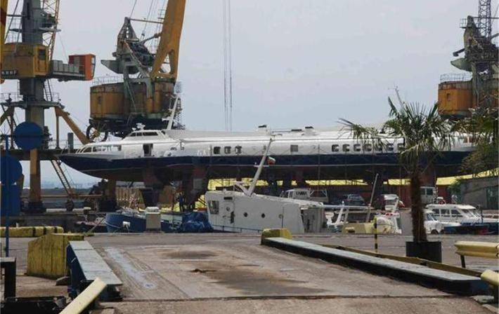 Кометите са на ремонт в бургаското пристанище