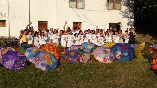 Български и турски деца показват рисунките си на детската Аполония 1