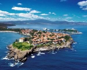 Старият град на Созопол и съседните острови Свети Иван и Свети Кирик заеха първо място сред десетте най-големи чудеса на България според класацията проведена по инициатива на вестник Стандарт.