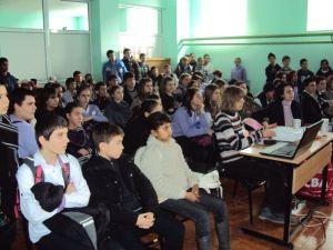 Учениците от Созопол четоха есета в памет на Васил Левски