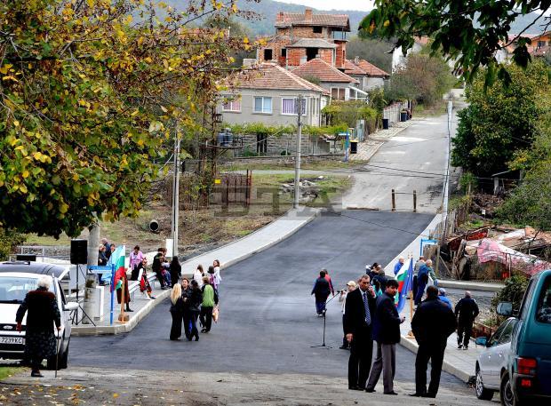 Откриха новия мост в село Росен