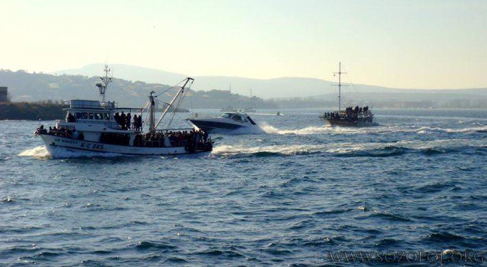 Лодки за разходки, яхти и риболовни кораби на Никулден в Созопол 2013