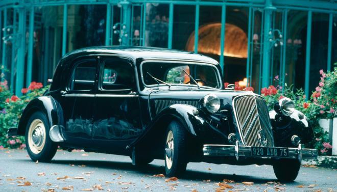 """Citroën Traction Avant (в превод: Ситроен с предно предаване) или """"Автомобилът на гангстерите"""" снимка: citroen.bg"""
